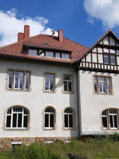 Fenster in historischer Jugendstil-Villa