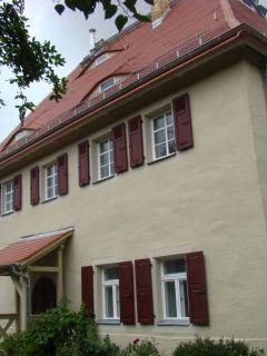 Fensterladen am historischen Pfarrhaus