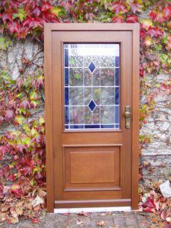 Haustür mit Leistenrahmen und Bleiverglasung