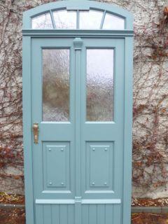 historische Haustür mit zweiflügliger Optik