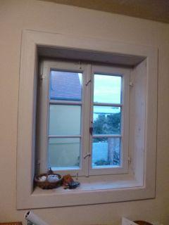 Isolierglasfenster mit Winkelbändern und Innenfutter